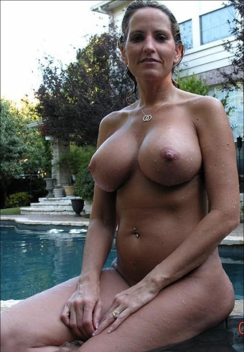 cougar tel gros seins naturels